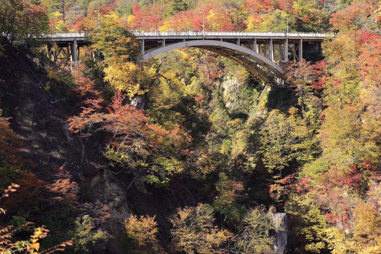 鳴子峡の紅葉