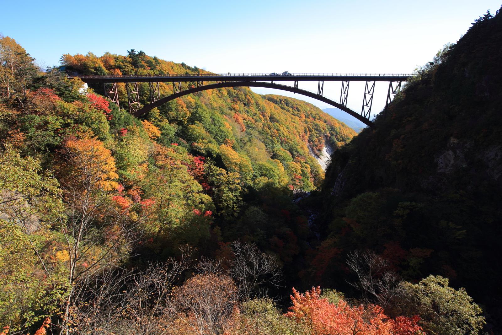つばくろ谷の紅葉